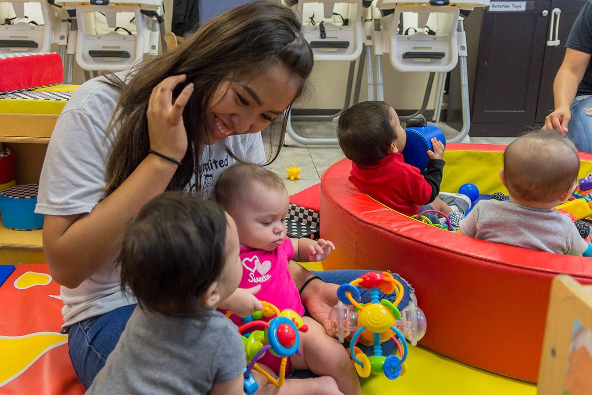 early-ed-teacher-classroom-babies